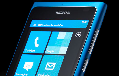 Nokia Lumia 800 - Front View