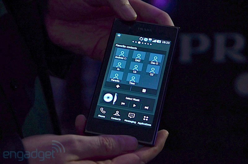 LG Prada 3.0 Smart phone - Front View (Hands on)