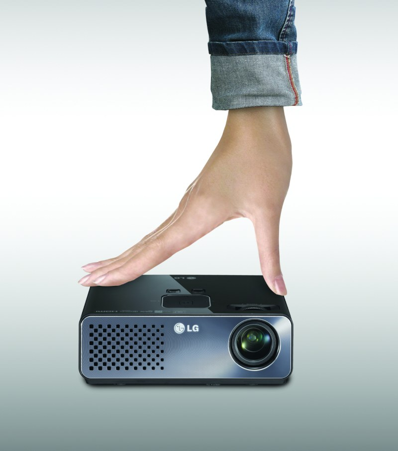 Ultra Portable LED Projector HW300G Specs, India Price