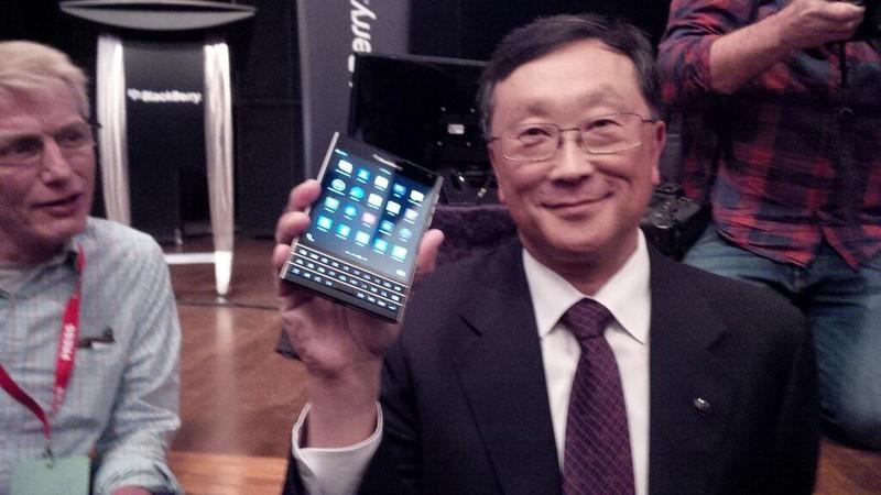 Blackberry Passport phone hands on