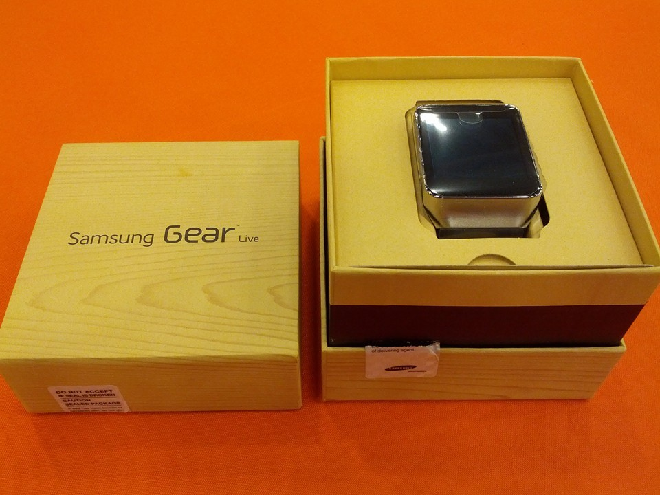 Gear Live Watch Un-Boxed