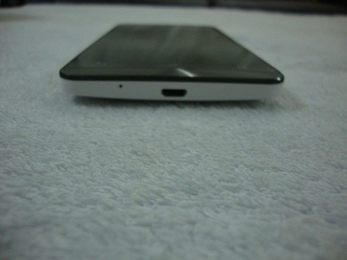 Asus Zenfone 5 slim topview picture