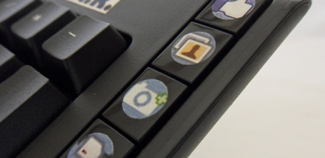 Facebook Keyboard - Right side view